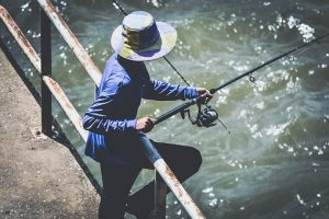 how to choose a fishing rod for saltwater